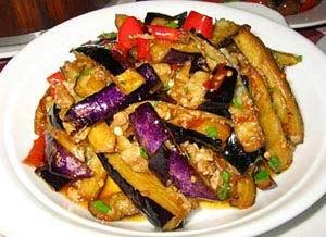 炒茄子 (chǎo qiézi) - fried aubergine